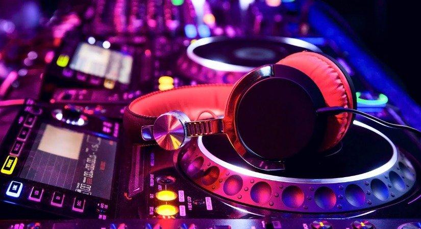 DJ'lik Ayda 3.000 ile 20.000 Tl Arasında Kazandırıyor