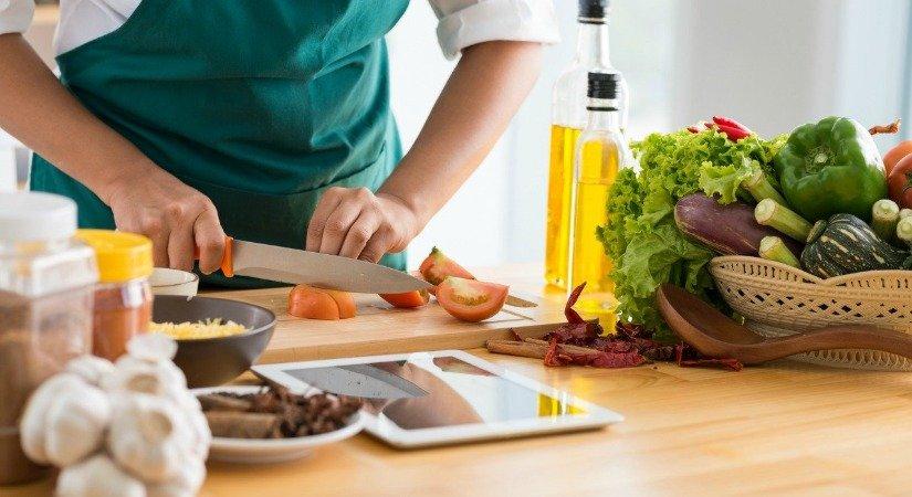 Evde Yemek Yapımı - Evden Yapılacak İşler