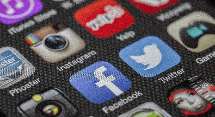 Hangi Sosyal Medya Platformu Daha Önce Kuruldu