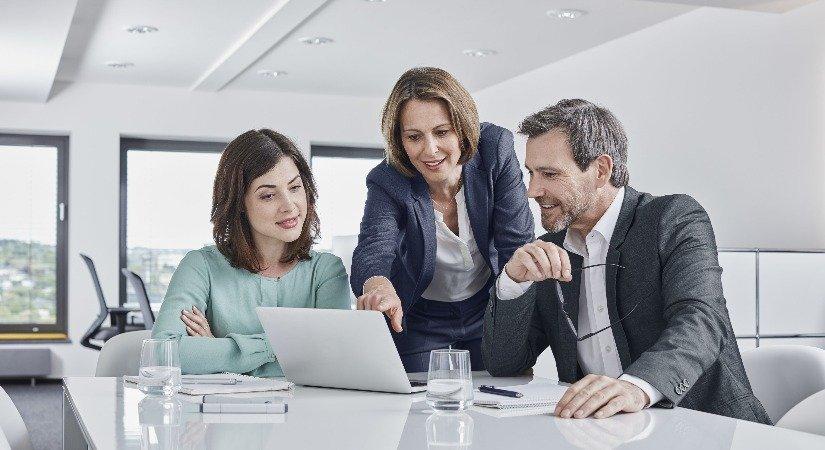 Yeni Başlayanlar İçin Başarılı Bir Emlak Danışmanı Olmanın Sırları